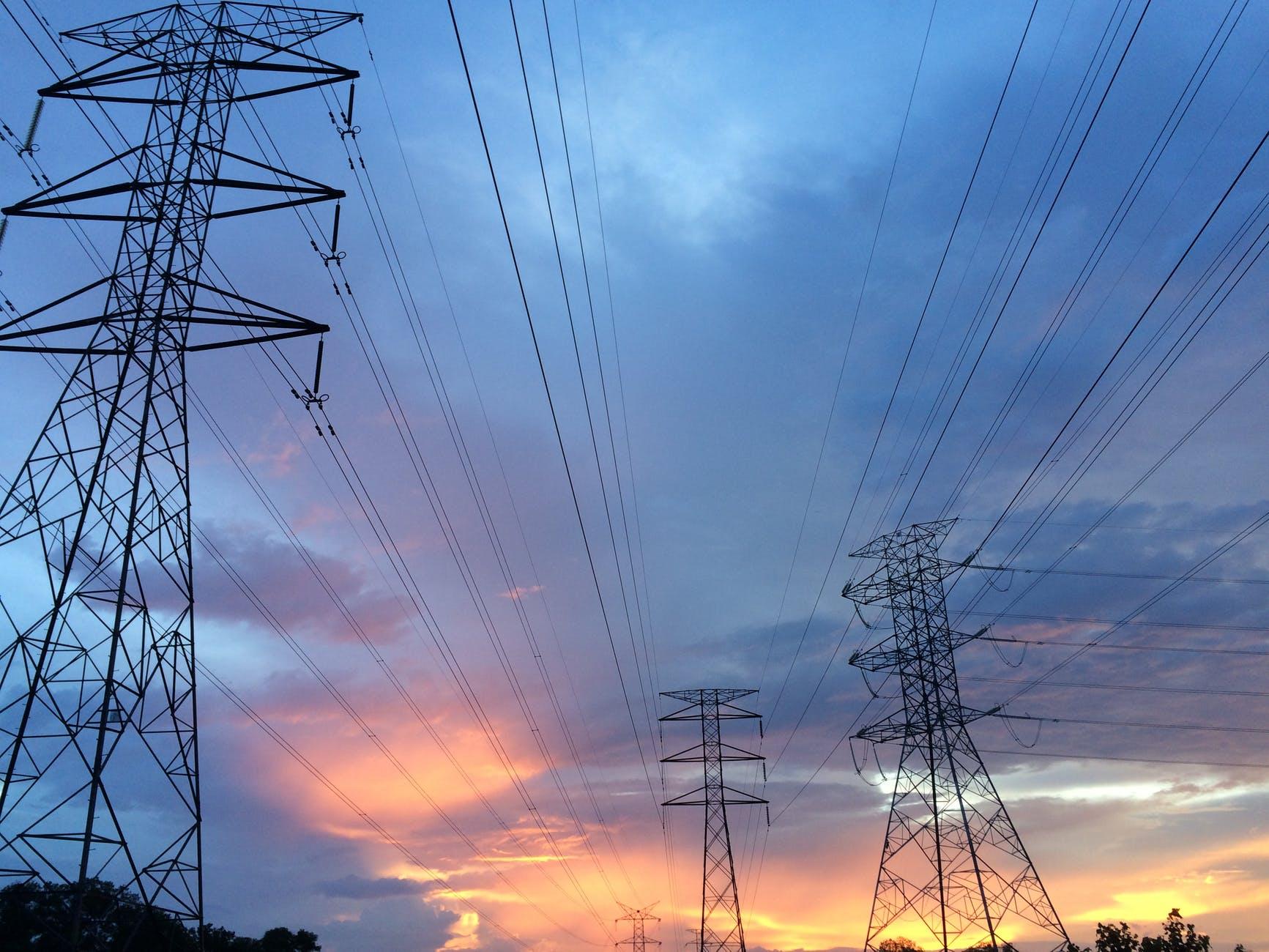 ADIE muestra apoyo a reformas del sector eléctrico